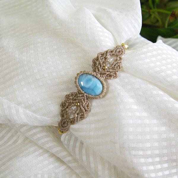ラリマー天然石マクラメ編みブレス